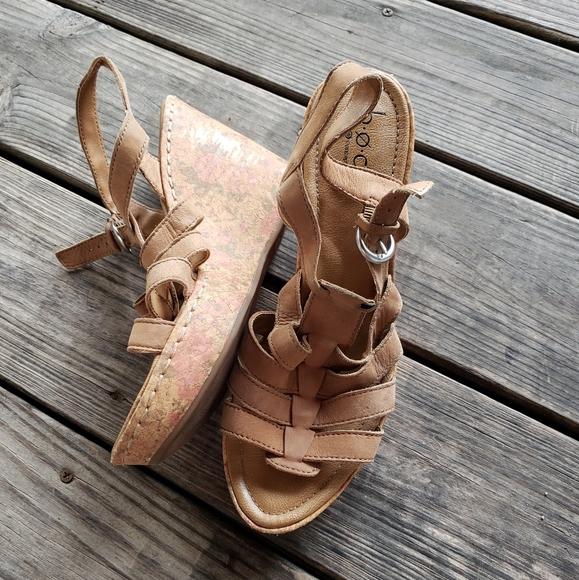 Boc beige leather wedge platform floral sandals